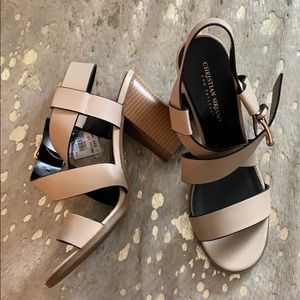 NWT • Nude and black strapping Sandals
